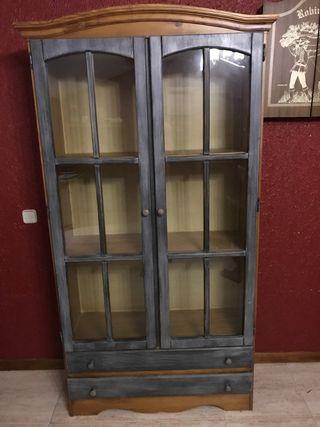 Conjunto Muebles de pino y mesa