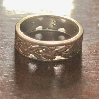Antique 9ct Solid White Gold Flower Band Ring