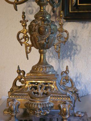 Se vende candelabro de bronce