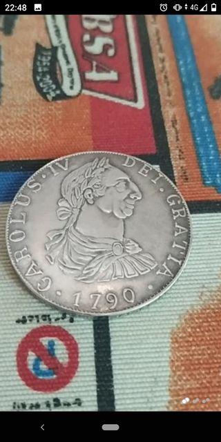 moneda 8 reales Carlos cuarto,de plata