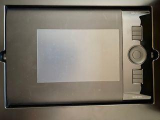 Tableta gráfica diseño Wacom Intuos 4 S nueva