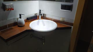 Mueble de baño. Lavabo decorativo.