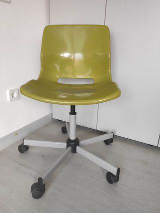Silla con ruedas IKEA SNILLE