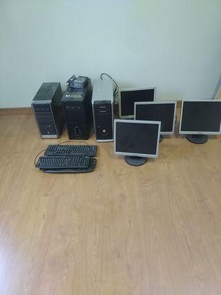 Torres y pantalla ordenador
