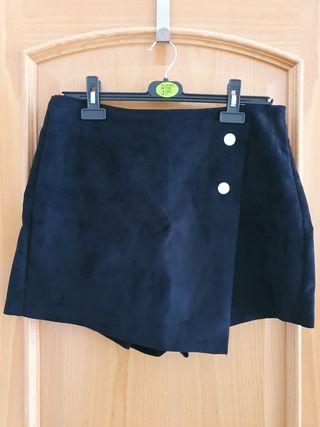 Falda pantalón antelina de Zara