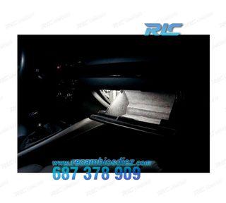 PLAFÓN LED DE GUANTERA BMW