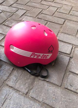 Casco rosa skate
