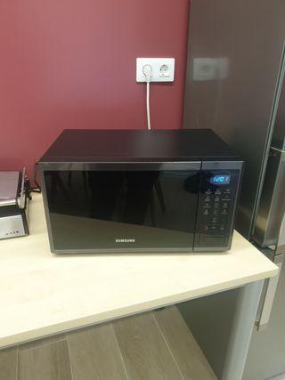 Microondas Samsung negro 23l con grill