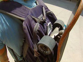 Gancho para llevar todos skate en la mochila