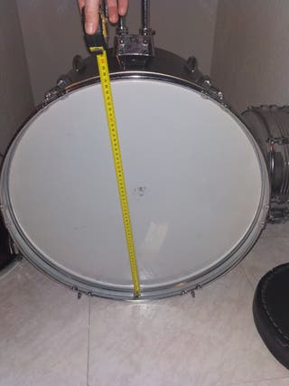 """Bombo 22"""" Peal drums"""