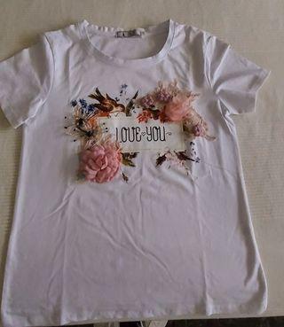 Camiseta adornos