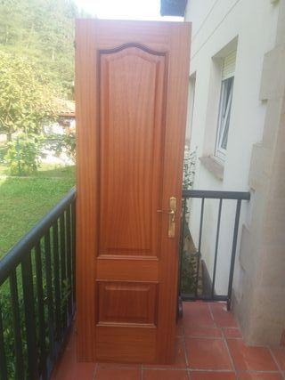puerta madera maciza para baño