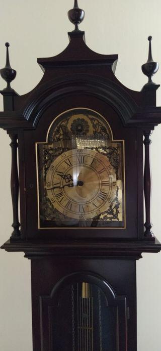 Reloj de pared antiguo.
