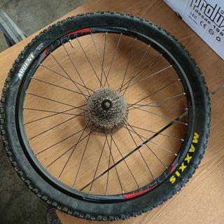 """Llanta trasera bicicleta Ghost 26"""" con casette 9v"""