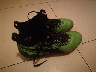 botas de futbol puma gama alta con tacos.