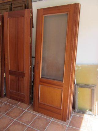 Puertas de paso sapelly