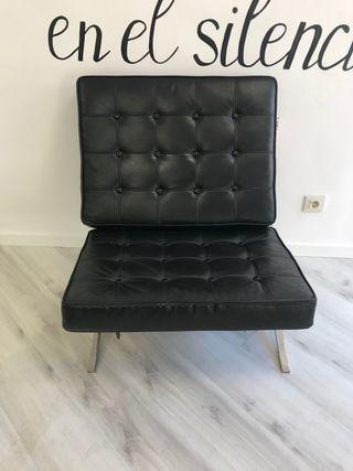 Sofa de piel negro