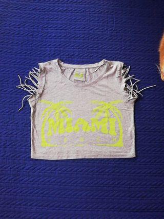 Camiseta crop con flecos, talla S, Primark