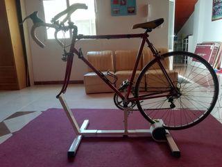 Rodillo con bicicleta