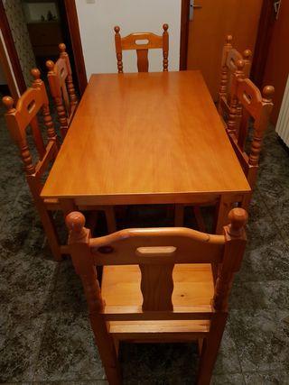 mesa y 6 sillas de pino mazizo