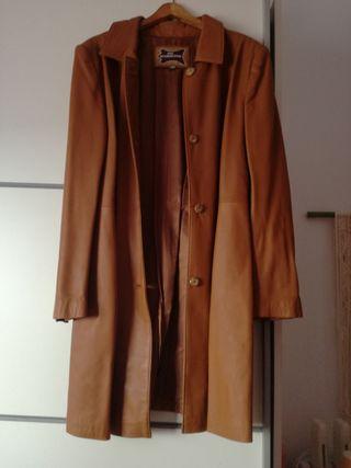 abrigo de piel color camel