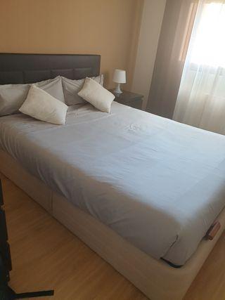 Canapé de 150 cm color beige + colchón