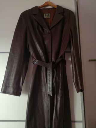 abrigo de piel marron rojizo