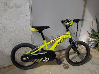 """Bicicleta BH California 16"""". Tiene ruedines."""