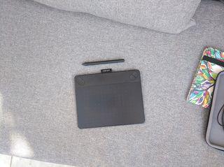 Tableta Wacom Intuos Art + Pen + 2 Fundas