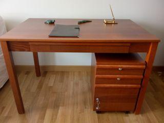 Mesa escritorio con cajonera de ruedas