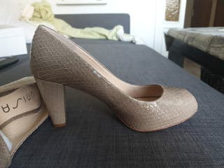 zapato de piel modelo cobra