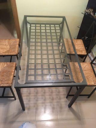 Mesa comedor de forja + 4 sillas