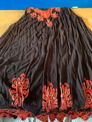 Vestido rojo con detalles rojo
