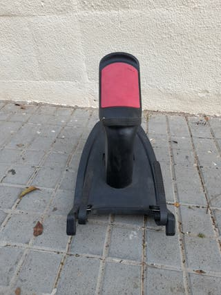 Adaptador/plataformacon asiento para coche de bebe