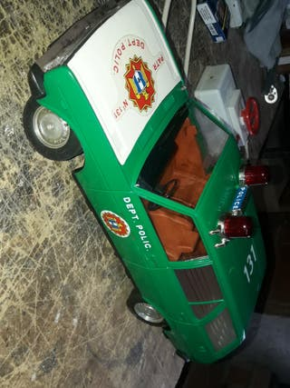 coche juguete antiguo rico