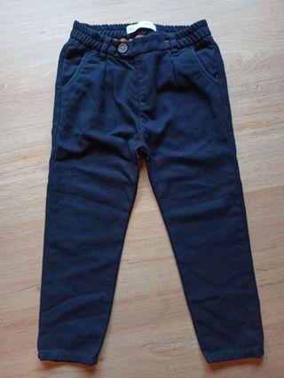 pantalón de niño Zara talla 110 cm