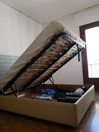 Colchón y canapé de 135 cm