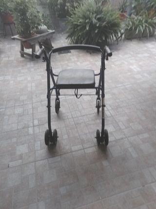 andador con asiento nevo