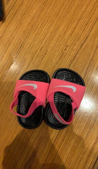 Chanclas Nike bebé