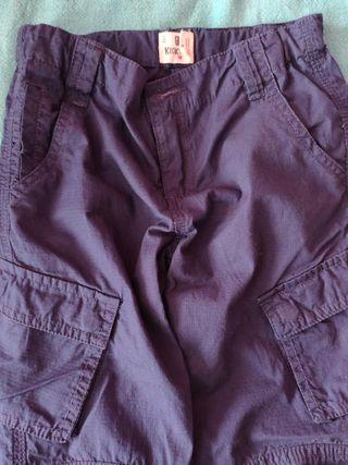 Pantalón T- 4'5 a estrenar Prenatal