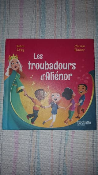 Cuento Les Troubadours d'Alinor