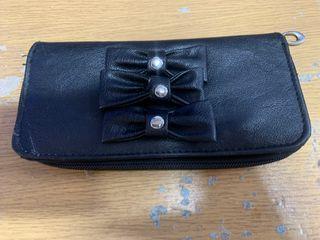 monedero cartera con lazos color negro