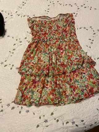 Vestido de flores Bershka talla S sin tieantes