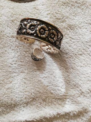 Pulsera y anillo a juego de plata