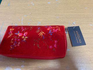 cartera monedero rojo con flores