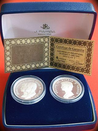 Estuche Dos medallas plata Juan Carlos I y Sofia