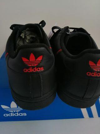 Zapatillas adidas talla 45 1/3