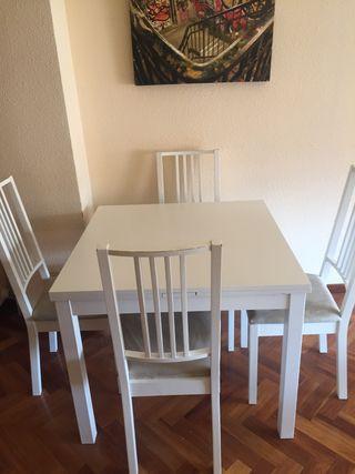 Mesa + 4 sillas Ikea