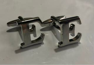 Gemelos de iniciales letra E