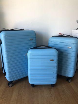 Conjunto de maletas de viaje nuevas a estrenar